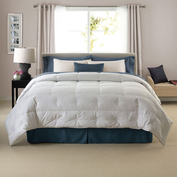 Grand Down Comforter Lifestyle Image