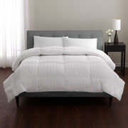 Supima Cotton Luxury Down Comforter Lifestyle Image