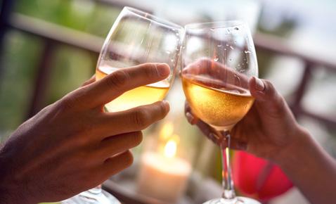 wine glasses image